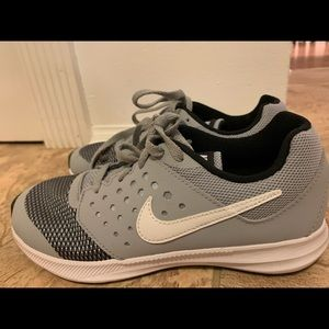 Nike Boys Downshifter 7 Running Shoe